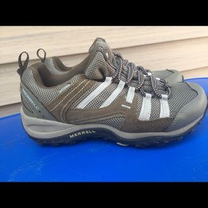 Women's Merrell Leather Hiking Trail Shoes 9M EUC